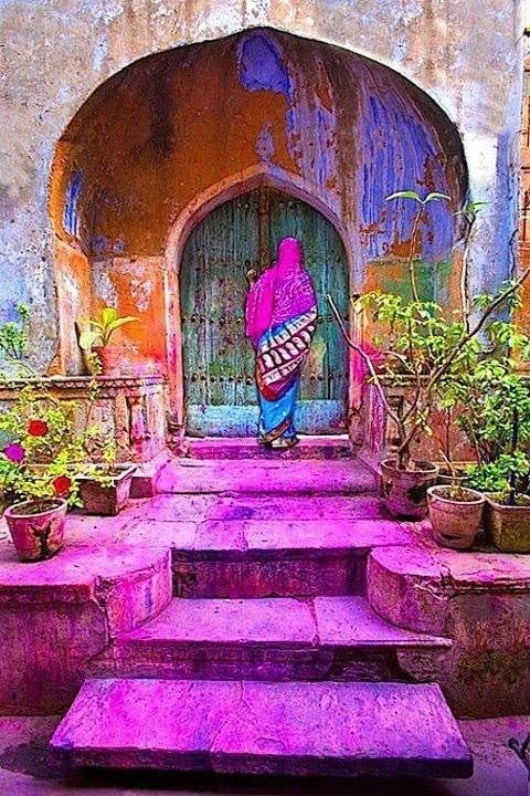 Shakti-delight-pillar
